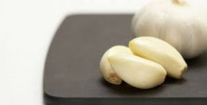 Brighten Yellow Nails with Garlic